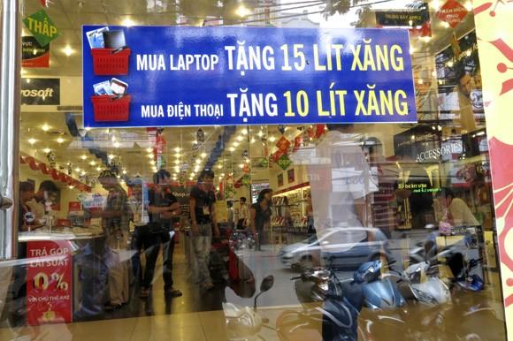 Shop sang trọng đồng loạt đóng cửa vì kinh tế suy thoái ảnh 3