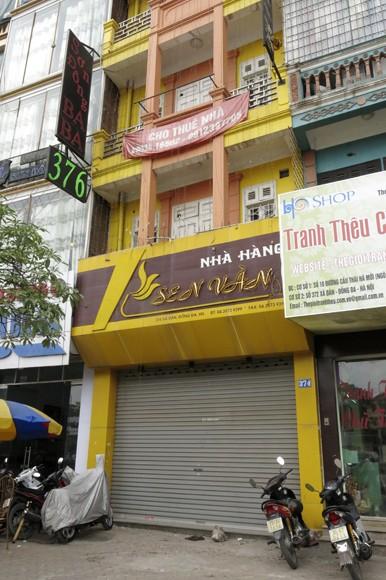 Shop sang trọng đồng loạt đóng cửa vì kinh tế suy thoái ảnh 12