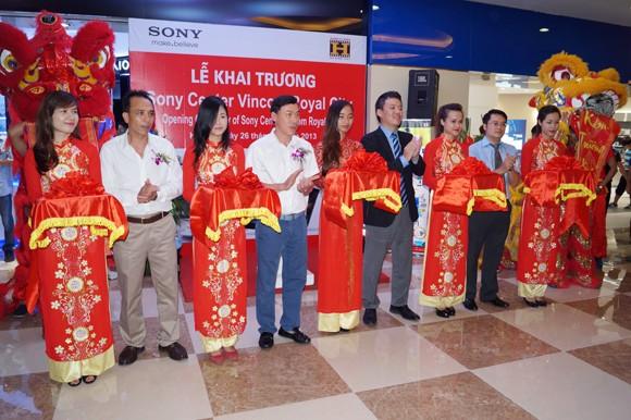 Mục sở thị chiếc TV đắt nhất Việt Nam ảnh 1