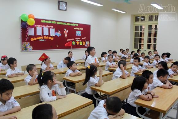 Trẻ ngộ nghĩnh trong ngày khai trường ảnh 16