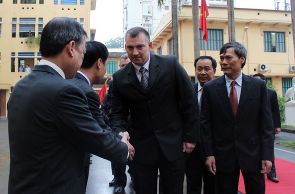 Đoàn Bộ Nội vụ Cộng hòa Balarus thăm và làm việc tại CATP Hà Nội ảnh 1