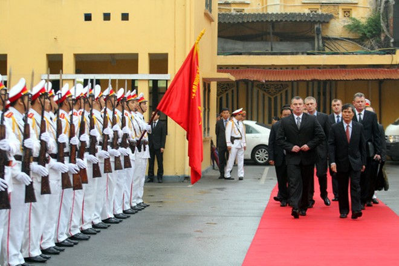 Đoàn Bộ Nội vụ Cộng hòa Balarus thăm và làm việc tại CATP Hà Nội ảnh 2