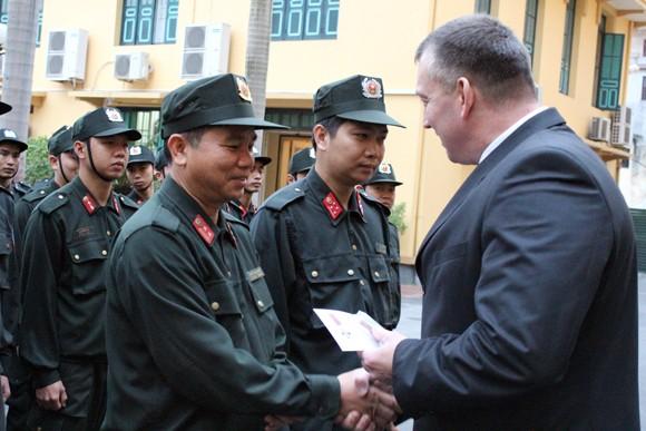 Đoàn Bộ Nội vụ Cộng hòa Balarus thăm và làm việc tại CATP Hà Nội ảnh 10