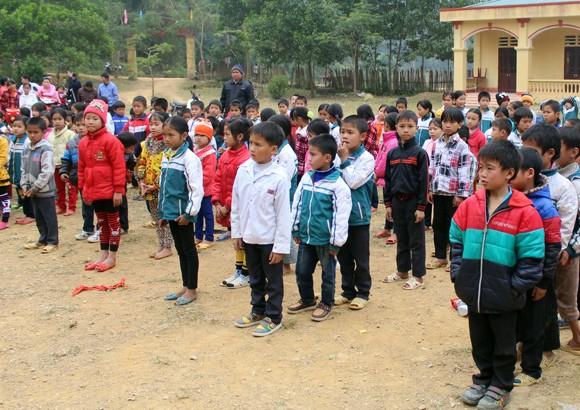 """Những người """"xua"""" đi giá lạnh cho học sinh nghèo Trung Sơn ảnh 3"""