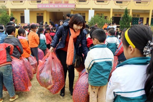 """Những người """"xua"""" đi giá lạnh cho học sinh nghèo Trung Sơn ảnh 7"""