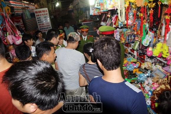Thu giữ hàng trăm khẩu súng đồ chơi nguy hiểm tại khu vực chùa Hương ảnh 8