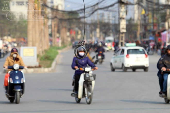 """Nguy hiểm với kiểu """"nghệ thuật sắp đặt"""" giữa đường phố Hà thành ảnh 2"""