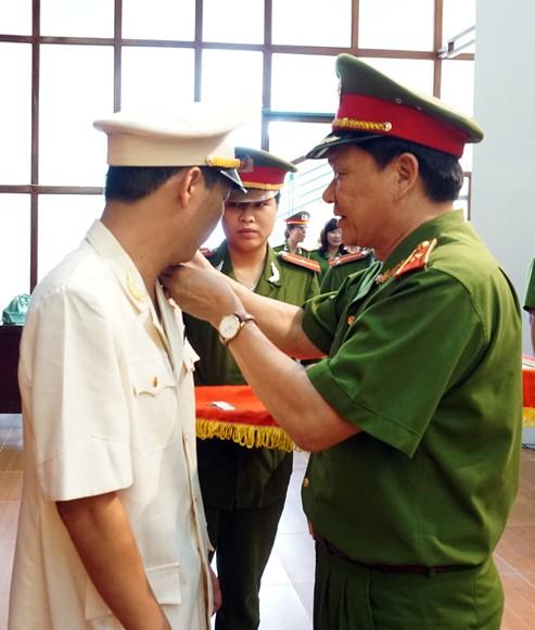 Sở Cảnh sát PCCC Hà Nội công bố quyết định thăng cấp bậc hàm năm 2014 ảnh 1