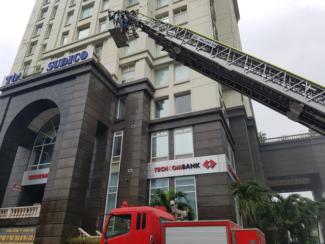 Lực lượng Cảnh sát phòng cháy hướng dẫn cách chữa cháy, cứu người an toàn ảnh 2
