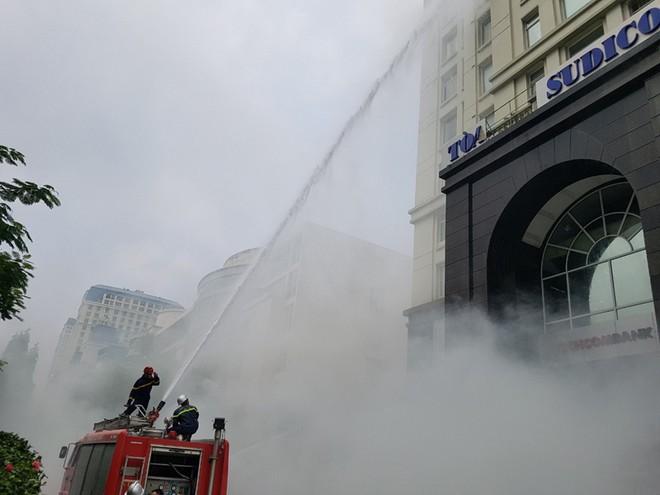 Lực lượng Cảnh sát phòng cháy hướng dẫn cách chữa cháy, cứu người an toàn ảnh 7