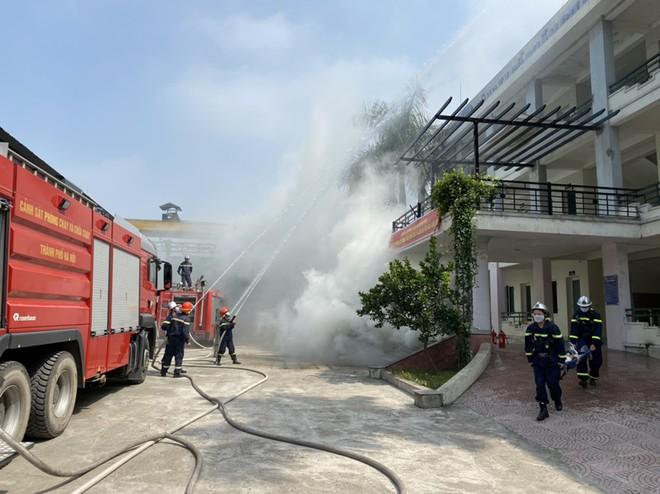 Kiểm tra công tác phòng cháy tại văn phòng, kho xưởng ở quận Nam Từ Liêm qua diễn tập phương án ảnh 1