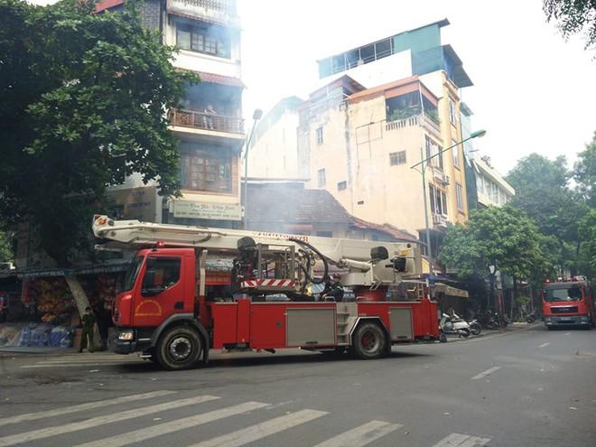 Diễn tập phương án chữa cháy, cứu nạn tại phố Hàng Mã ảnh 4