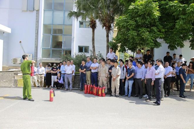 Tập huấn nghiệp vụ phòng cháy tại toà nhà VNPT-net ảnh 1