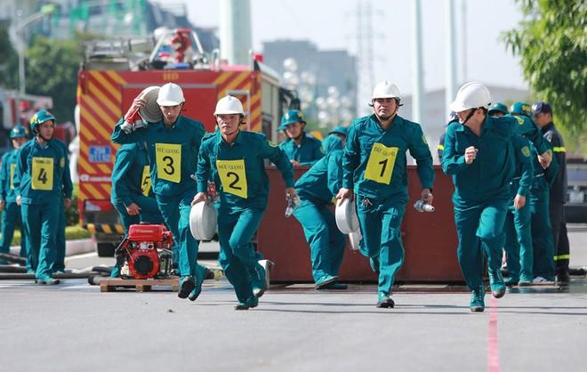 240 vận động viên tham gia tranh tài chữa cháy, cứu nạn, cứu hộ ảnh 7