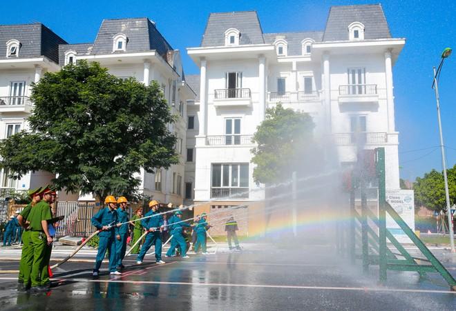 240 vận động viên tham gia tranh tài chữa cháy, cứu nạn, cứu hộ ảnh 6