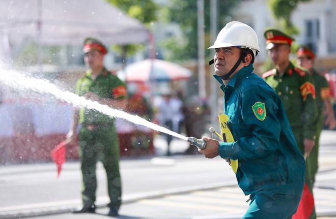240 vận động viên tham gia tranh tài chữa cháy, cứu nạn, cứu hộ ảnh 5