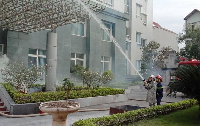 Kiểm tra công tác ứng trực phòng cháy, cứu nạn, cứu hộ ảnh 1