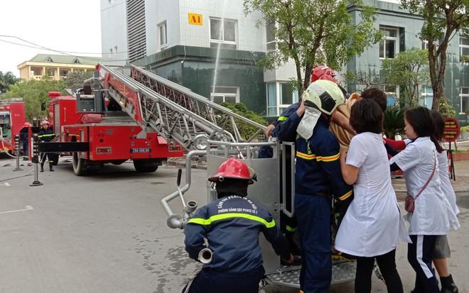 Kiểm tra công tác ứng trực phòng cháy, cứu nạn, cứu hộ ảnh 2