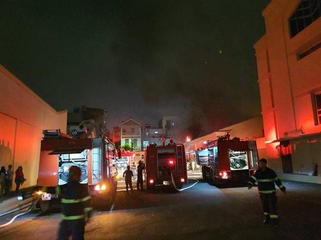 Kịp thời dập tắt đám cháy tại kho xưởng công ty dược phẩm Hà Tây ảnh 1
