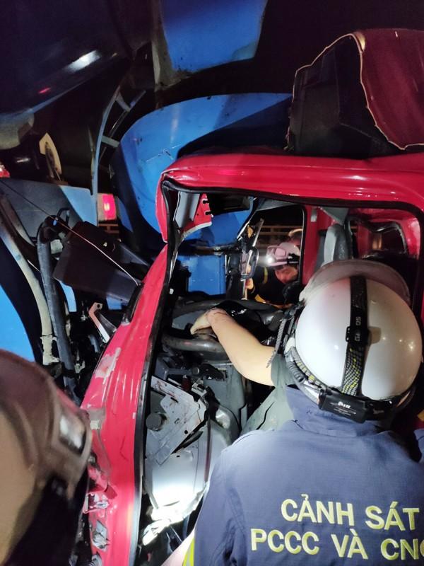 Kịp thời cứu nạn người bị thương đưa đi cấp cứu ảnh 2