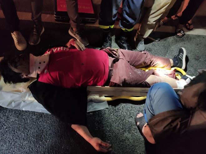 Kịp thời cứu nạn người bị thương đưa đi cấp cứu ảnh 1