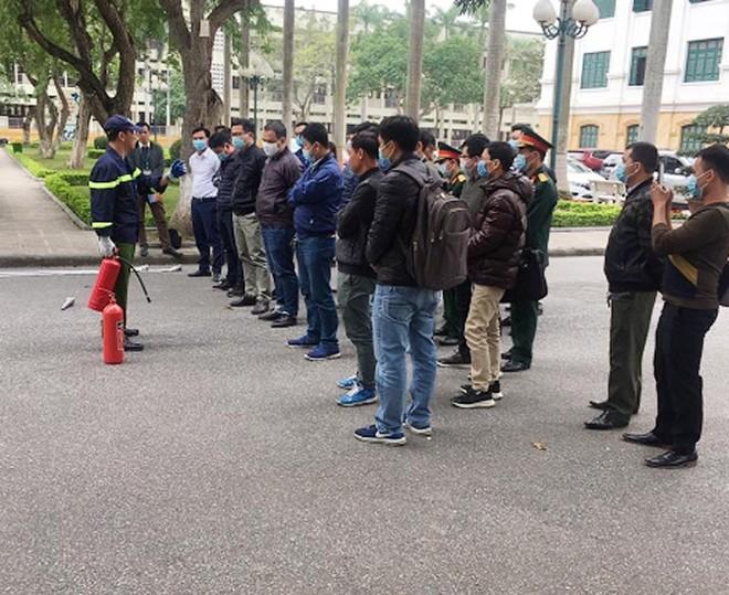 Xử lý tình huống cháy giả định tại Học viện Nông nghiệp Việt Nam ảnh 3