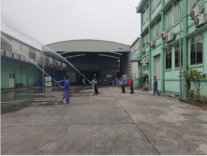 Xử lý tình huống cháy giả định tại Công ty cổ phần Medion Việt Nam ảnh 2