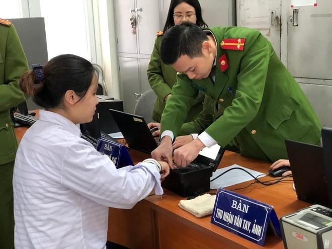 Triển khai cấp căn cước công dân và ký cam kết phòng, chống vi phạm pháp luật về pháo trong dịp Tết Nguyên đán Tân Sửu ảnh 3