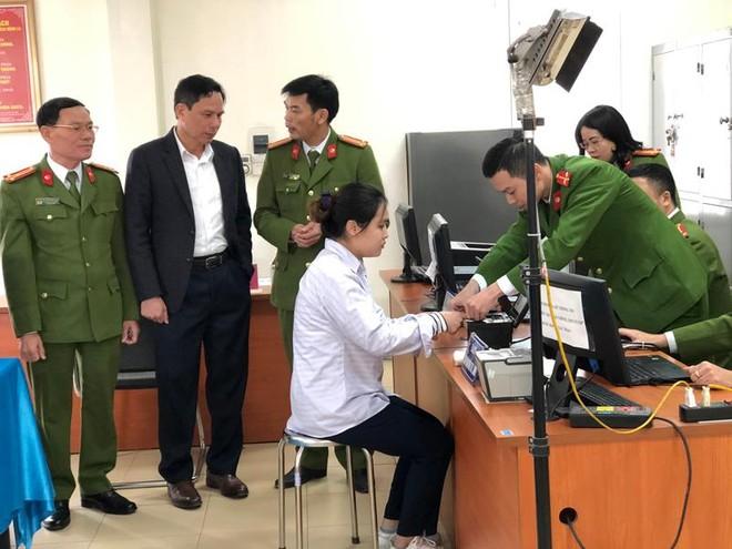 Triển khai cấp căn cước công dân và ký cam kết phòng, chống vi phạm pháp luật về pháo trong dịp Tết Nguyên đán Tân Sửu ảnh 2