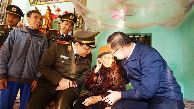 Giám đốc CATP Hà Nội thăm, tặng quà Tết gia đình chính sách, hộ nghèo huyện Mỹ Đức ảnh 2