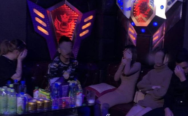 Phát hiện nhóm nam, nữ sử dụng ma túy tại quán karaoke ảnh 1