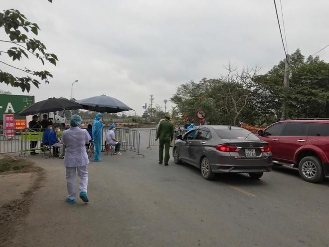 Huyện Mê Linh chủ động lập các chốt kiểm soát, phòng chống dịch Covid-19 ảnh 2