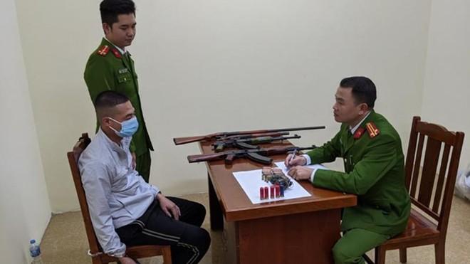 Bắt nhóm đối tượng buôn súng từ nước ngoài về Bắc Giang tiêu thụ ảnh 1