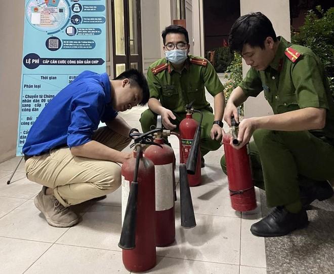 Lực lượng phòng cháy sẵn sàng phương án đảm bảo an toàn cấp căn cước công dân ảnh 1