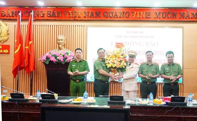 Thăng cấp bậc hàm Thiếu tướng đối với đồng chí Nguyễn Thanh Tùng - Phó Giám đốc CATP Hà Nội ảnh 1
