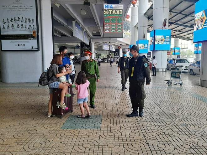 Căng mình các biện pháp đảm bảo phòng chống covid -19 tại sân bay Nội Bài ảnh 1