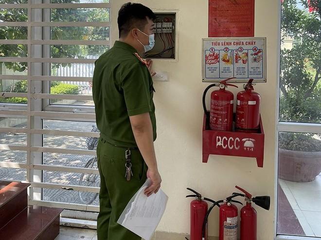 Sẵn sàng đảm bảo an toàn phòng cháy, cứu nạn tại các điểm bỏ phiếu trên địa bàn ảnh 2
