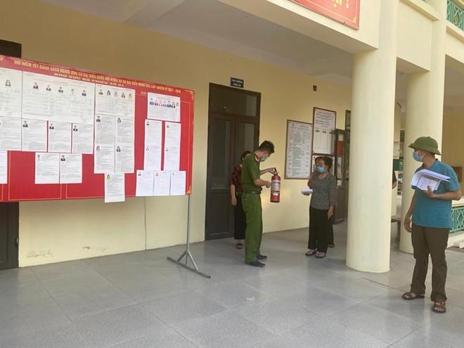 Sẵn sàng lực lượng, phương tiện và các phương án đảm bảo an toàn PCCC trong ngày bầu cử ảnh 2