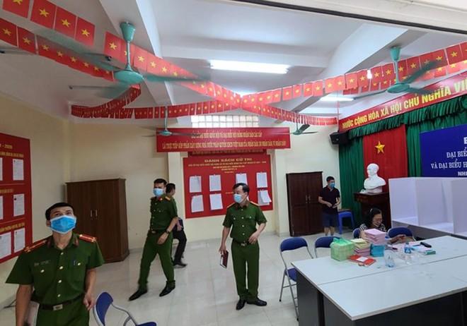 Hoàn tất công tác phòng cháy điểm bầu cử quan trọng tại quận Ba Đình ảnh 2