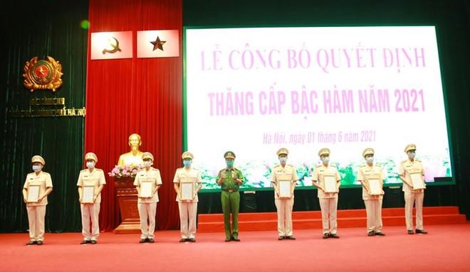 Gần 6.000 cán bộ chiến sỹ Công an Hà Nội được thăng cấp bậc hàm, nâng bậc lương ảnh 5