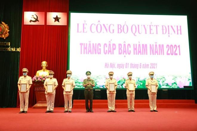 Gần 6.000 cán bộ chiến sỹ Công an Hà Nội được thăng cấp bậc hàm, nâng bậc lương ảnh 3