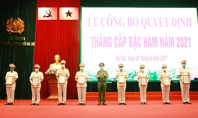 Gần 6.000 cán bộ chiến sỹ Công an Hà Nội được thăng cấp bậc hàm, nâng bậc lương ảnh 4