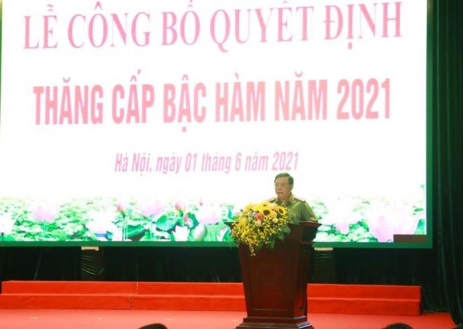 Gần 6.000 cán bộ chiến sỹ Công an Hà Nội được thăng cấp bậc hàm, nâng bậc lương ảnh 1