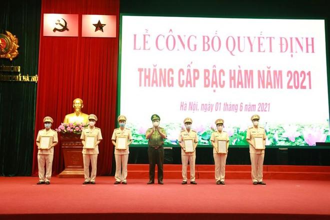 Gần 6.000 cán bộ chiến sỹ Công an Hà Nội được thăng cấp bậc hàm, nâng bậc lương ảnh 2