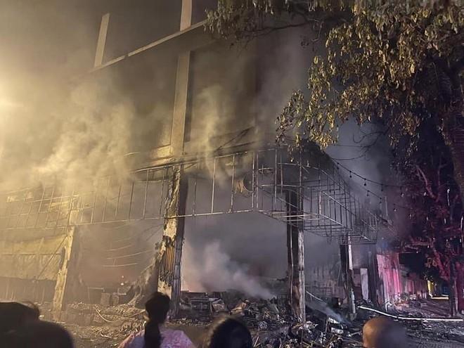 Cháy phòng trà trong đêm khiến 6 người tử vong ảnh 2
