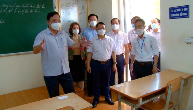 Giám đốc Công an Hà Nội kiểm tra công tác đảm bảo an toàn trước kỳ thi tốt nghiệp Trung học phổ thông quốc gia ảnh 2