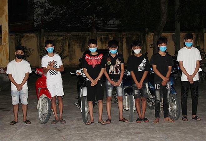 Xử lý nghiêm nhóm thanh niên tụ tập đua xe trong đêm ảnh 1