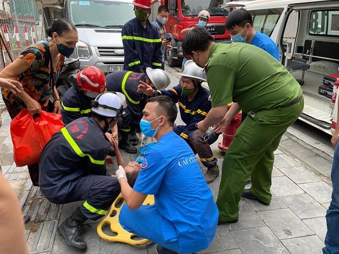 Hà Nội: Hy hữu cứu cháu bé bị mắc kẹt 2 ngày trong khe bê tông ảnh 1