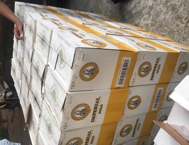 Phát hiện, thu giữ gần 1.000 chai rượu ngoại không rõ nguồn gốc ảnh 1