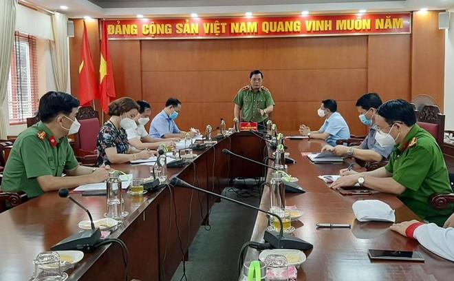 Đoàn Công tác số 15 của Thành ủy kiểm tra chốt ứng trực phòng chống Covid-19 tại huyện Mê Linh ảnh 1